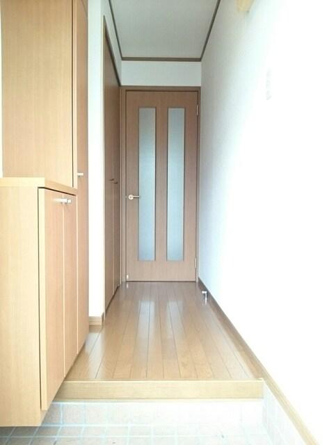 サンシャインA 01030号室の玄関