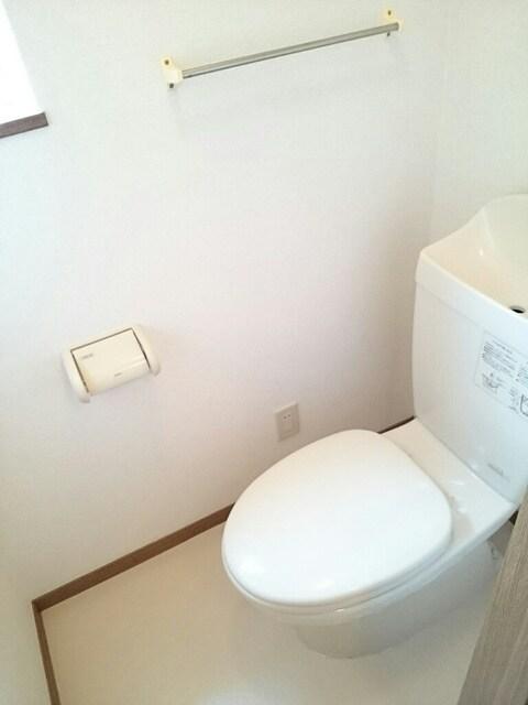 サンシャインA 01030号室のトイレ