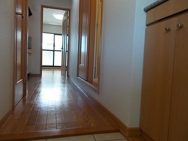 アライブ キノⅡ 203号室の玄関