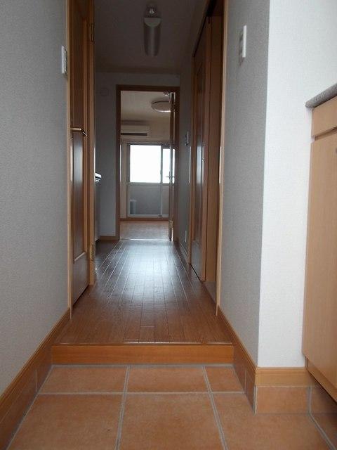 ベリエ太秦 403号室の玄関