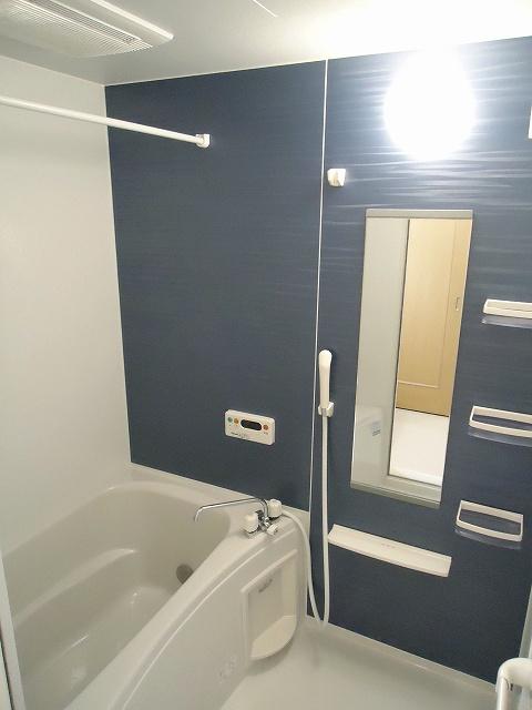 リヴウェルコート W 202号室の風呂