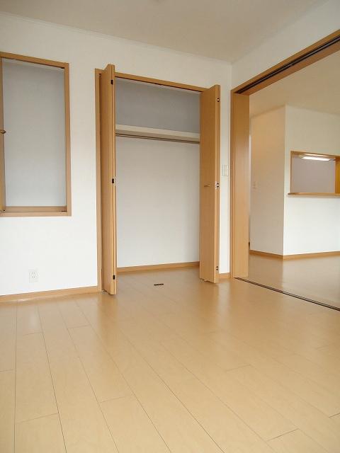 リヴウェルコート W 202号室の収納