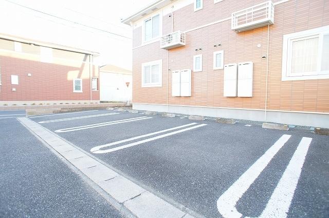 カンタ-ヴィラ A 02010号室の駐車場