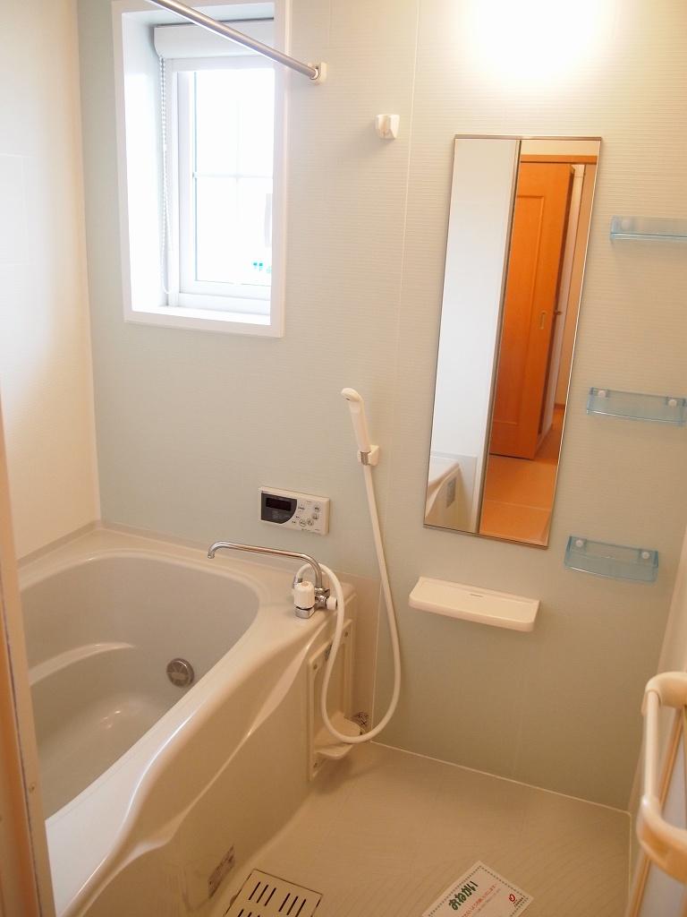 ラソ・ヒメーノⅠ 202号室の風呂