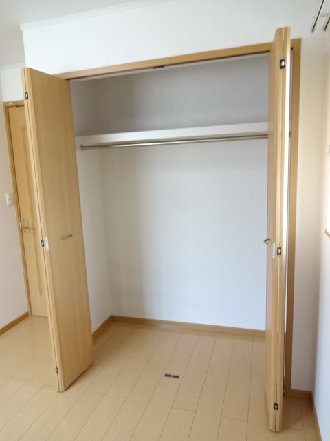 マーベラスヒルズⅡ 204号室の収納