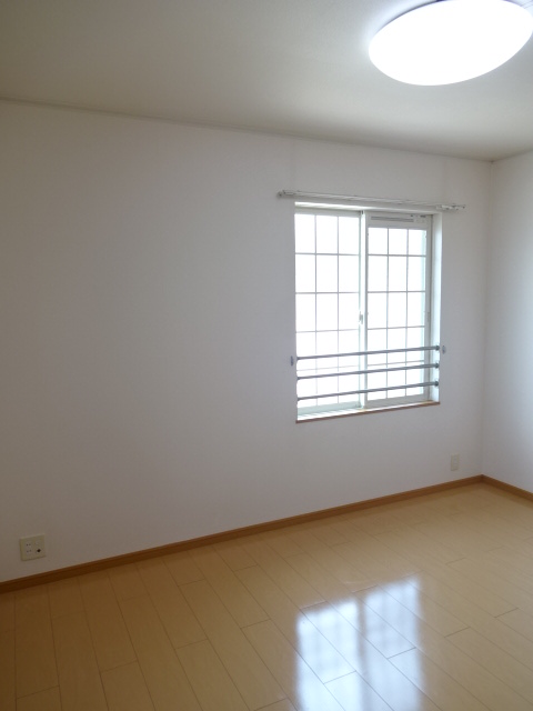 マーベラスヒルズⅡ 204号室の居室