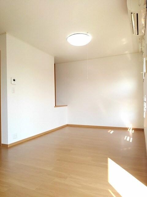 ヴィラ・サニーヒル 02010号室のトイレ