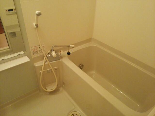 ラ・メール ドゥ 101号室の風呂