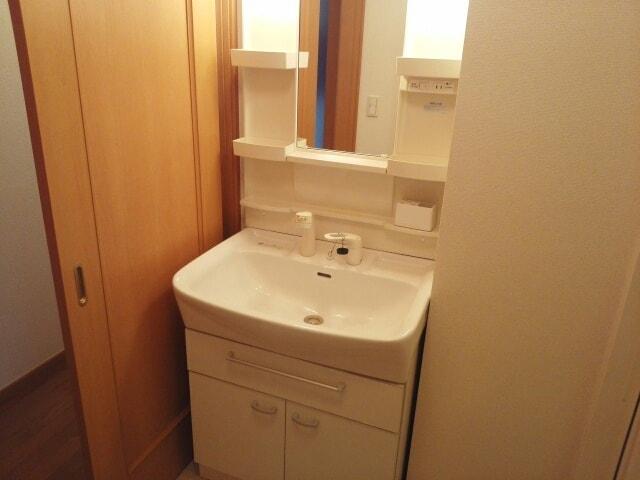 ラ・メール ドゥ 101号室の洗面所