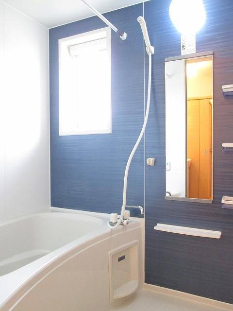 サンローレル A 02020号室の風呂