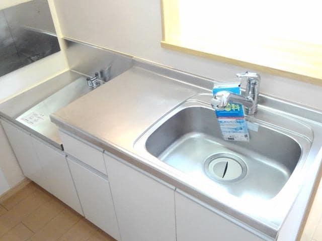 ファミール中野 Ⅰ 02010号室のキッチン