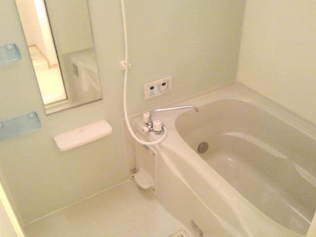 ファミール中野 Ⅰ 02010号室の風呂
