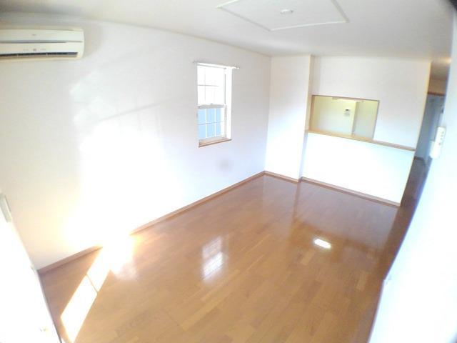 エンゼルパーク 弐番館 01010号室のリビング