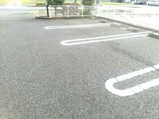 エトワール・パレⅠ 203号室の駐車場