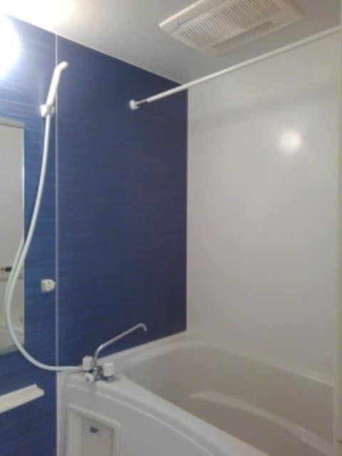 マックス ビローバ 102号室の風呂