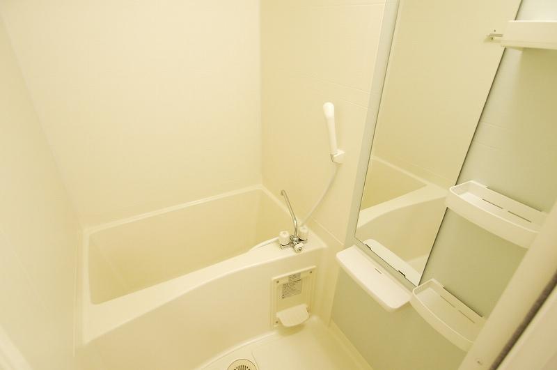 ウエスト下鴨 202号室の風呂