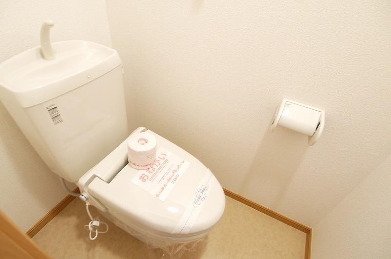 ウエスト下鴨 202号室のトイレ