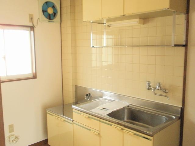 メゾンベルディ 02030号室のキッチン