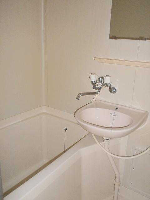 メゾンベルディ 02030号室の風呂