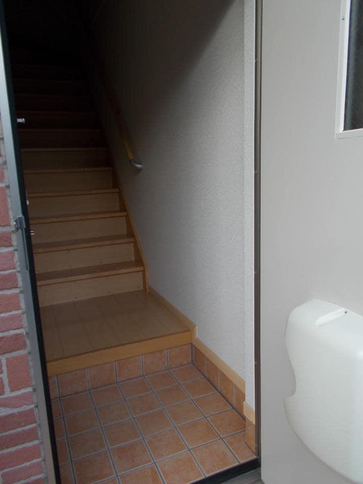 ラ フォンテ 201号室の玄関