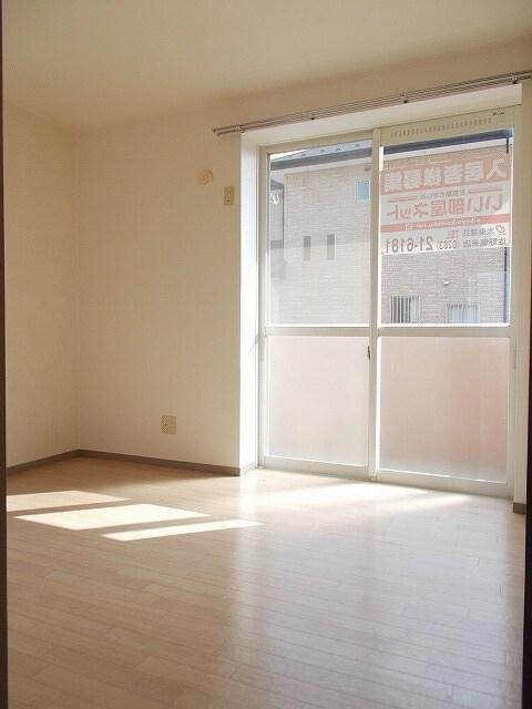 赤坂アーバンライフA 02010号室のリビング