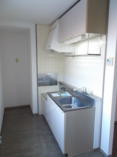 赤坂アーバンライフA 02010号室のキッチン