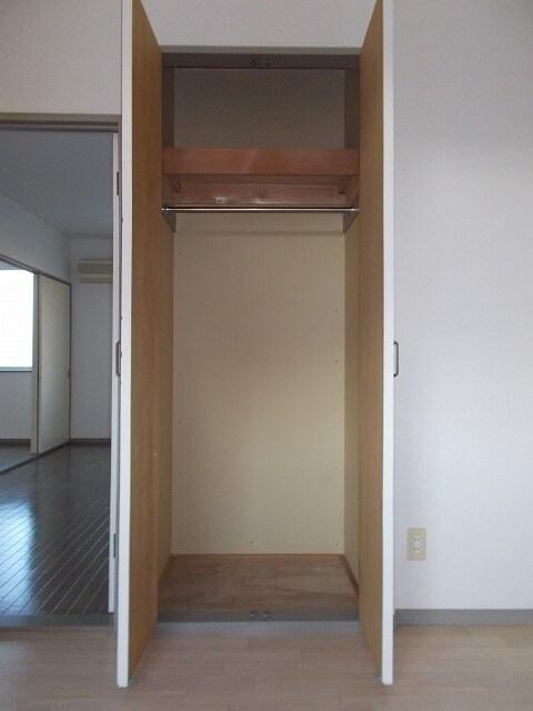赤坂アーバンライフA 02010号室の収納