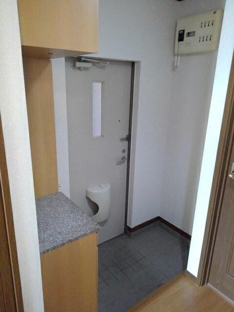 アルカンシエルⅢ 101号室の玄関