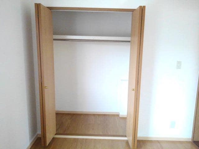 ガーデンロイヤル カトレア館 02020号室の収納