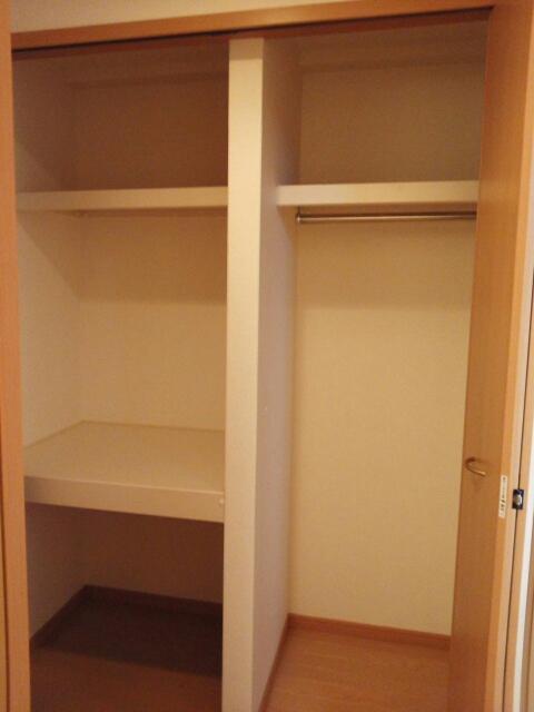 ステラ・ランド 307号室の収納