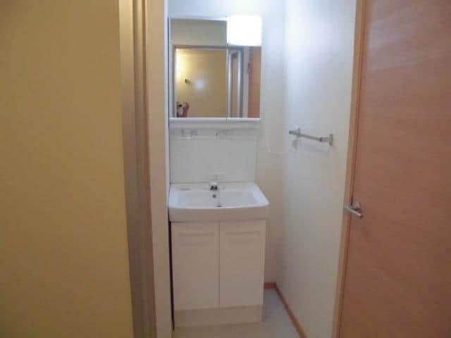 ヴィラ松前台B 01030号室の洗面所