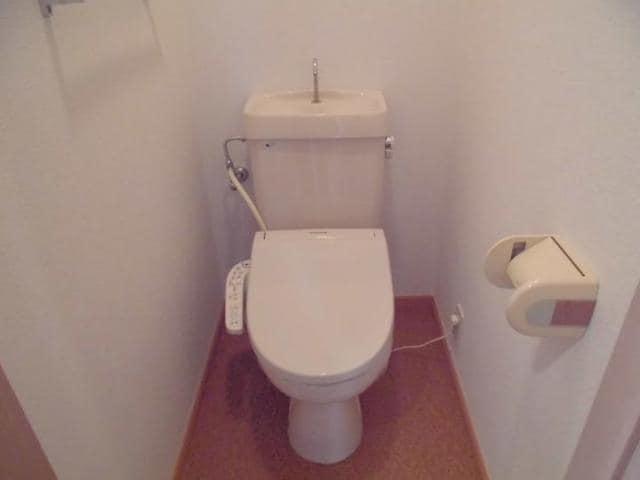 ヴィラ松前台B 01030号室のトイレ