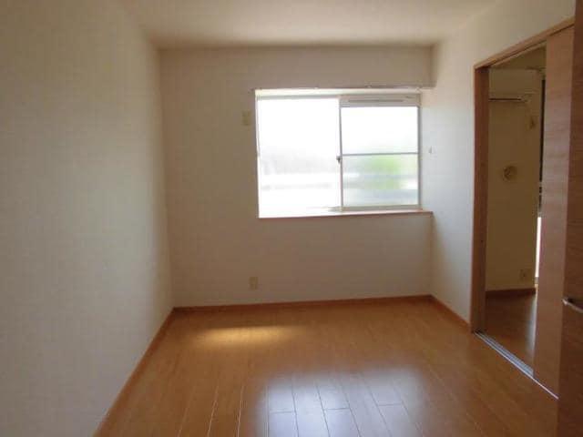 ヴィラ松前台B 01030号室の居室