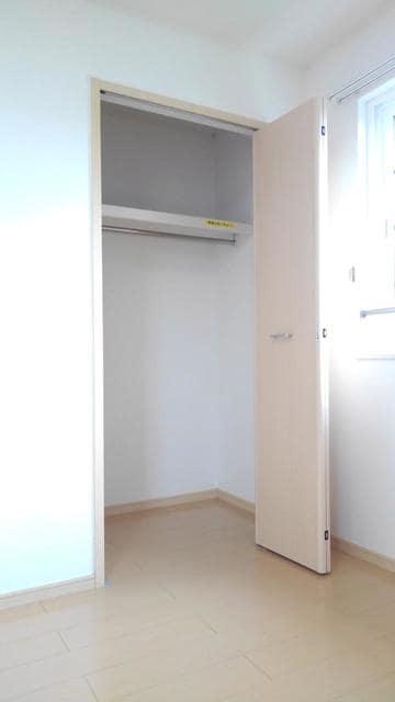 フラワーガーデン 02040号室の収納