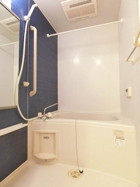 グランディールB 01020号室の風呂