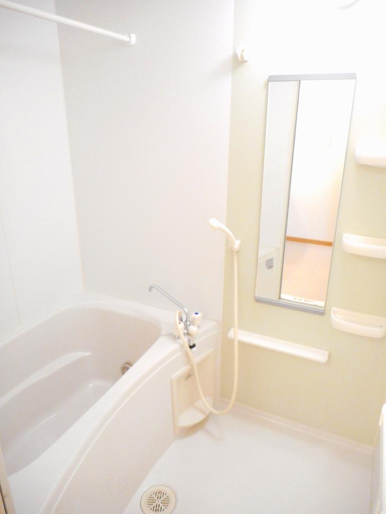 フィオーレ・アロッジオⅠ 02010号室の風呂