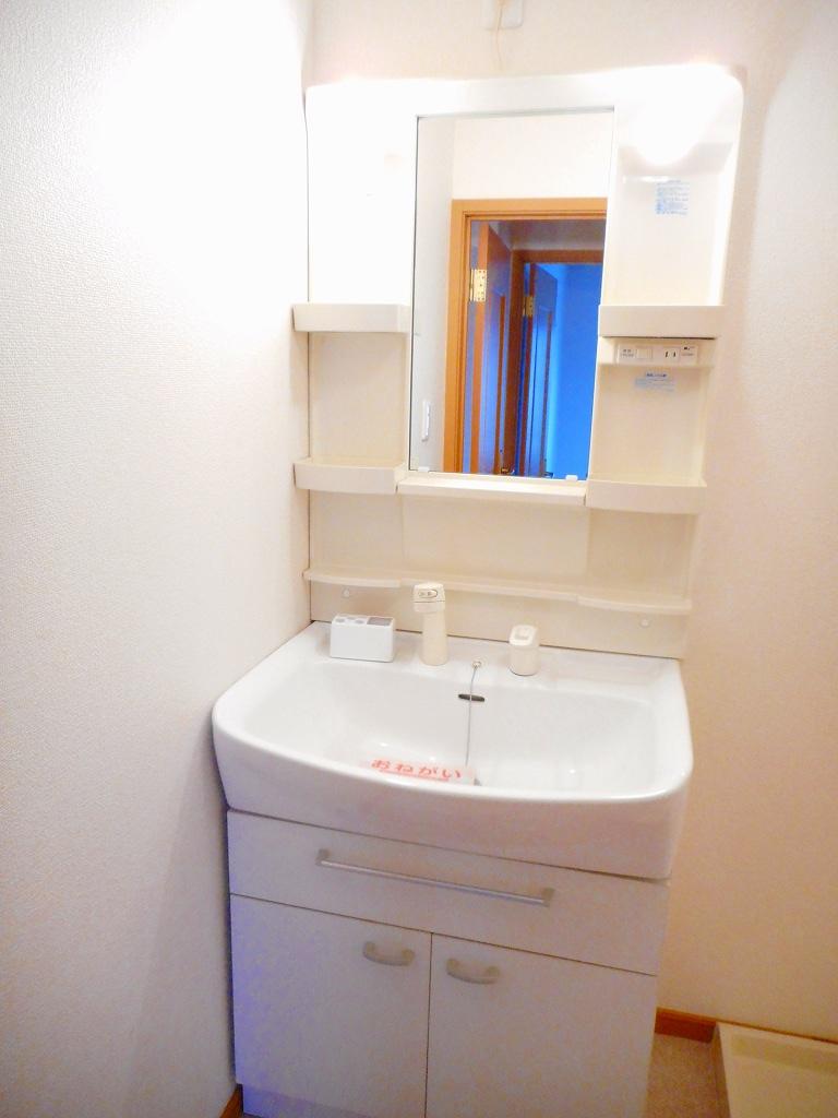 フィオーレ・アロッジオⅠ 02010号室の洗面所