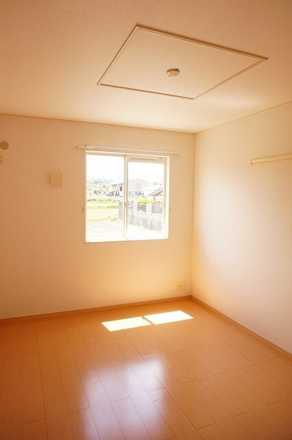 サンライズガーデンB 01020号室のベッドルーム