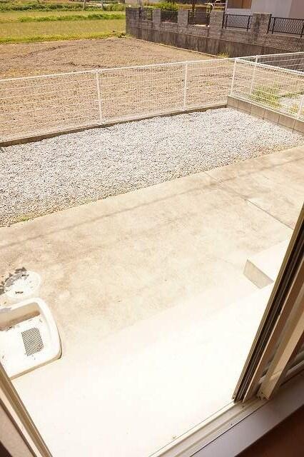 サンライズガーデンB 01020号室の庭