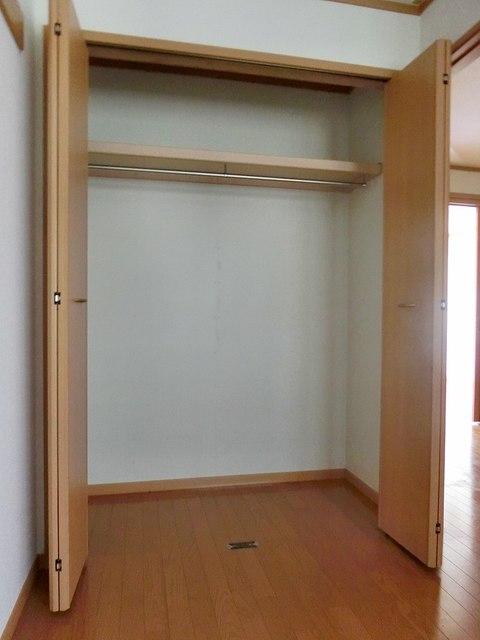 ツインコート B 01010号室の収納