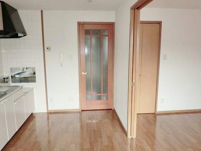 田端ハウス 01030号室のリビング