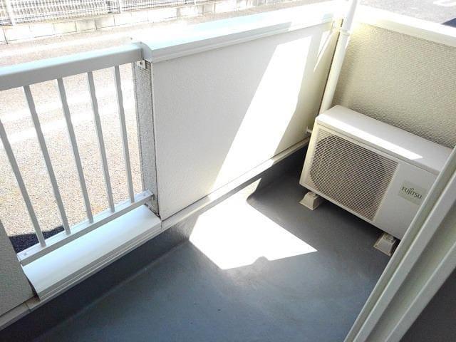 ホワイトオーク東 01020号室のバルコニー