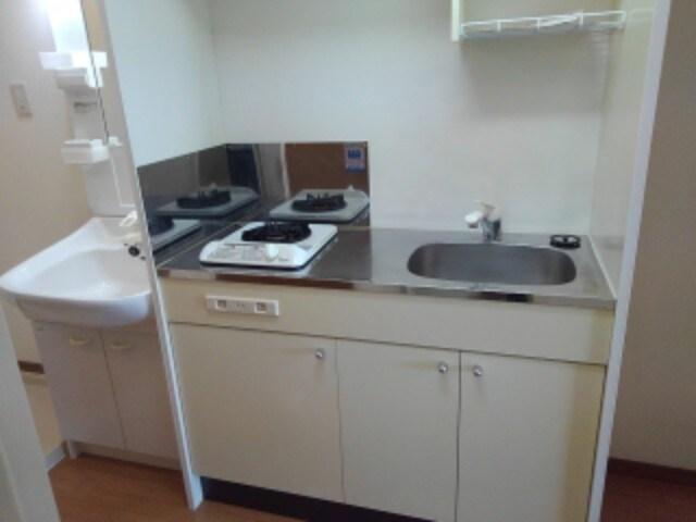 シティコート丸太町 402号室のキッチン