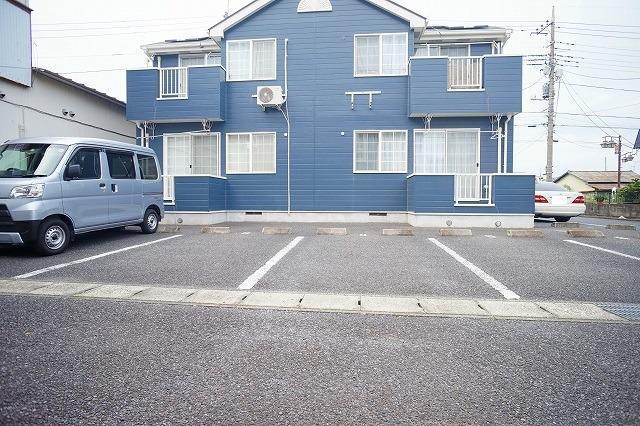ソレーユシャンブル354B 02010号室の駐車場