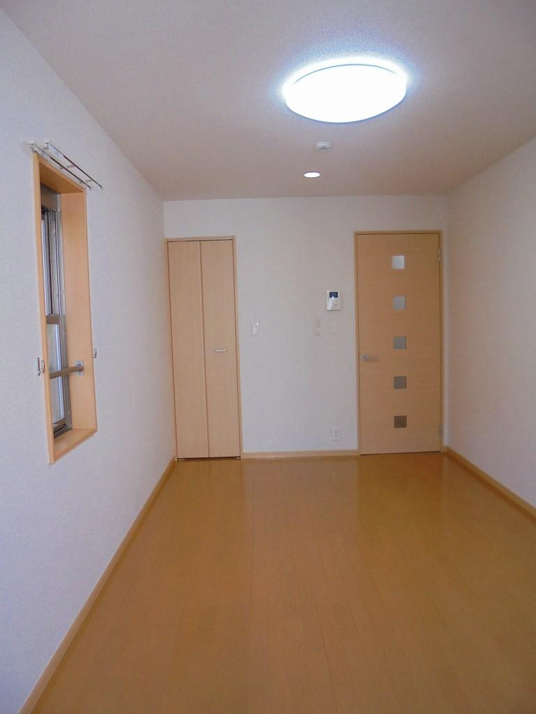 エバーグリーン 303号室の居室