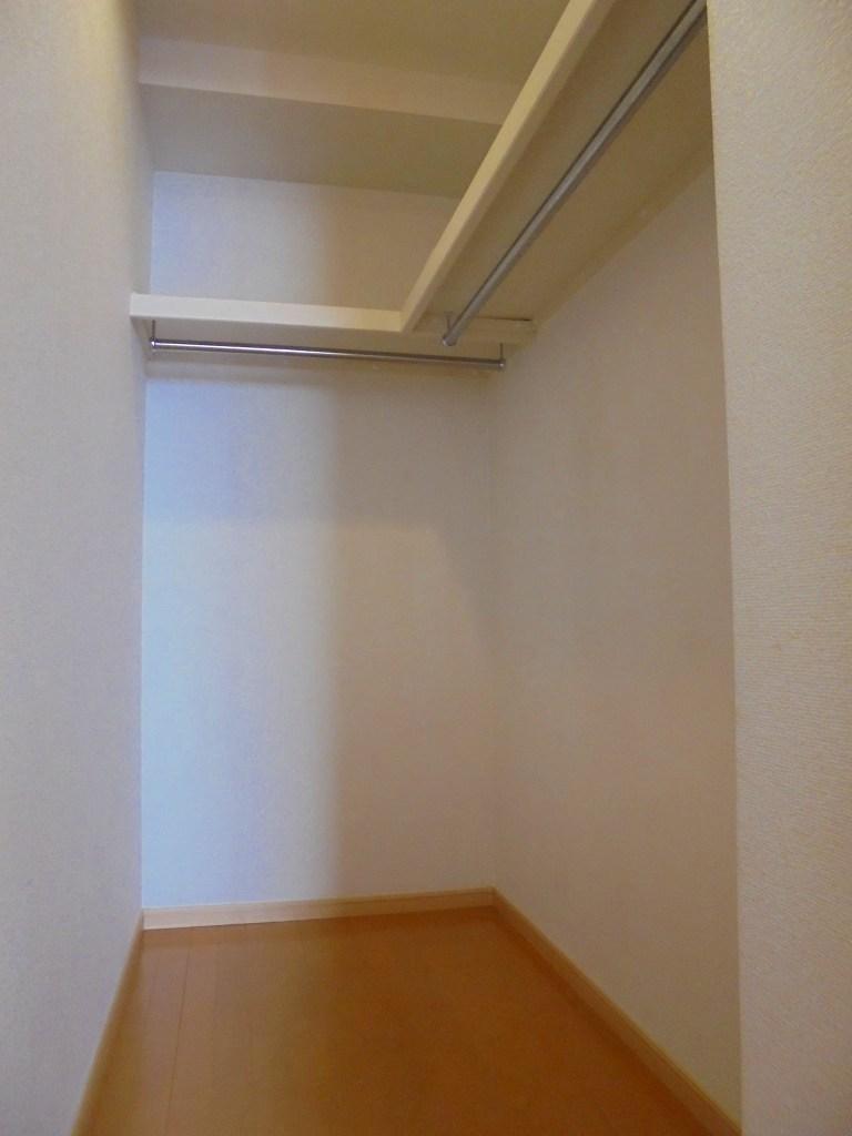エバーグリーン 303号室の収納