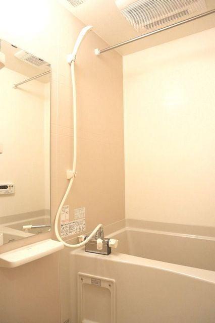 エバーグリーン 401号室の風呂