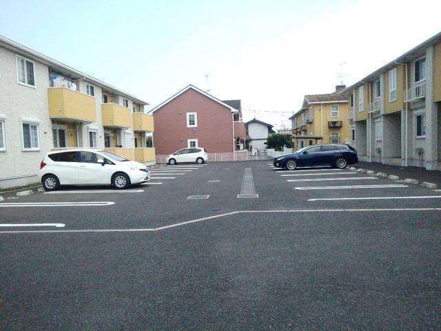 ペアハウスヒロセH 02010号室の駐車場