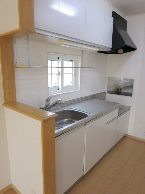 メゾン・アムール Ⅲ 201号室のキッチン
