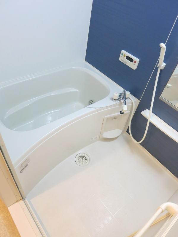 アルモニー 202号室の風呂